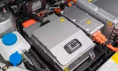首批绿牌汽车的电池已经报废,几十万吨废电池不如燃油汽车环保?