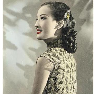 她是家喻户晓的明星,小时候因长太美被拐卖,现照片卖218万高价