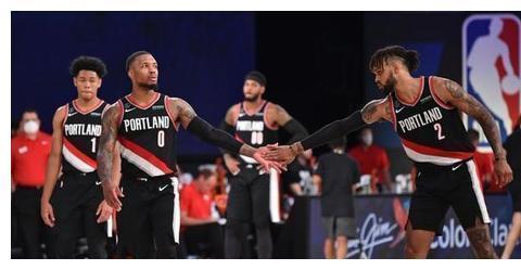 篮网队球星丁威迪揭示洛杉矶湖人队在季后赛中的最大为题!