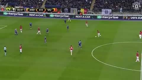 在2017年曼联与安德莱赫特的欧联杯四分之一决赛中……