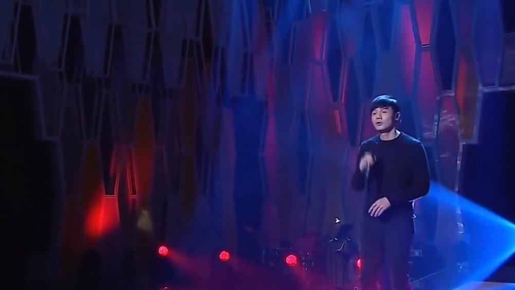 李荣浩《喜剧之王》 黄伟文的词总能赋予整首歌很宽泛的想象力……