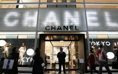 """奢侈品店导购的""""鄙视链""""有多可怕?穿这几种鞋去,店员:不想理"""