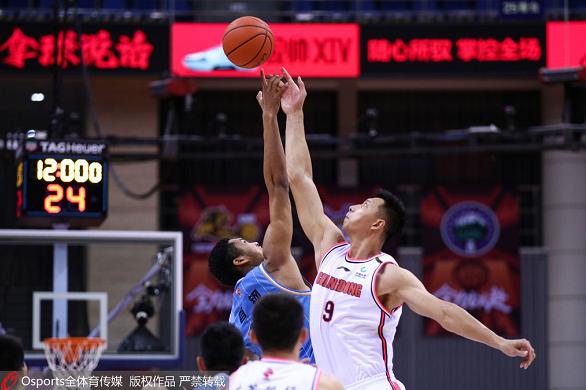 广东队3分险胜北京队 历史上第15次杀入总决赛