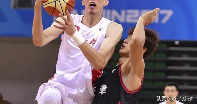 周琦在CBA一直效力新疆,但为何全运会上却搭档韩德君代表辽宁?