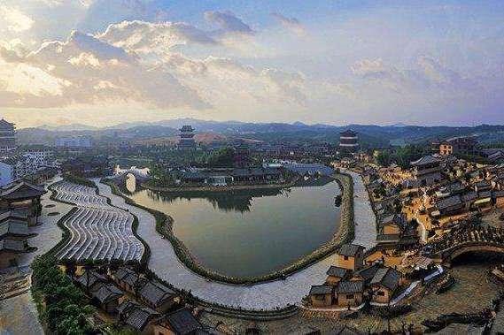 """安徽耗资60亿景区,致力打造""""东方艺术殿堂"""",门票120却零差评"""