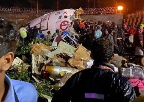印度飞机又摔了,美国成为受害者,美继续向印度大量出售武器弹药
