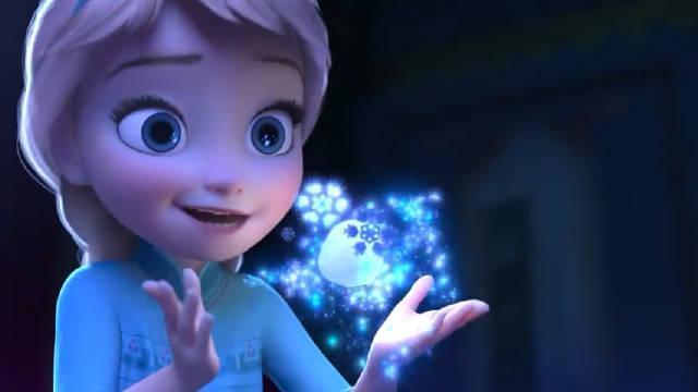 《冰雪奇缘》美丽又魅力四射的艾莎女王……