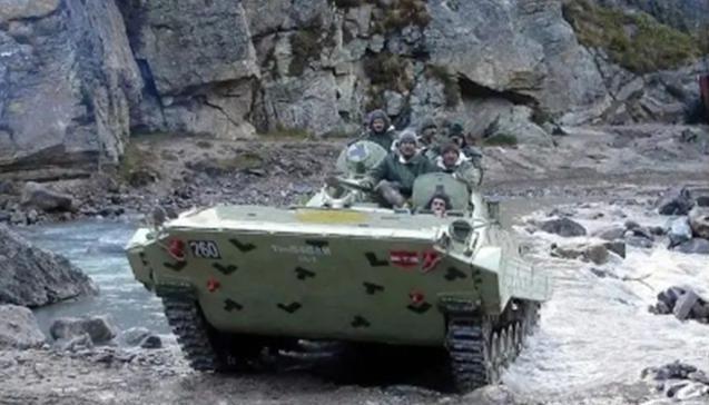 嫌俄罗斯战车质量差,印军向美国求购悍马,冬季作战有把握?