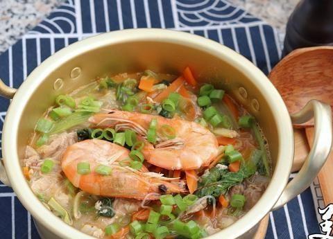 新鲜可口的白菜鲜虾汤,很容易不小心喝了一碗