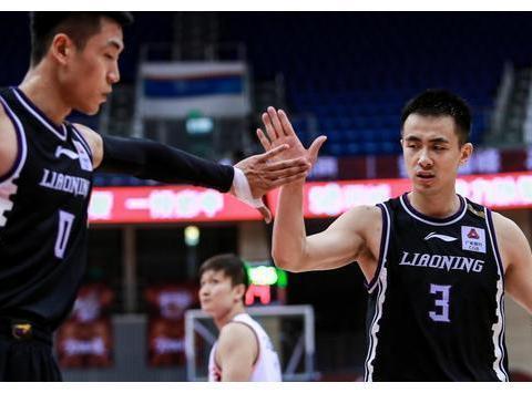 高诗岩堪称辽篮季后赛第一奇兵,球迷戏言:他来自短道速滑队