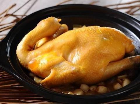 田园土豆饼,老干妈白菜面肉,酸豆角炒肉末,花雕鸡的做法