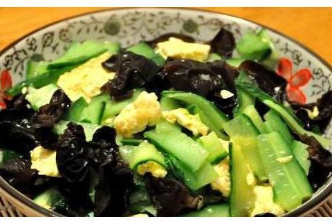 精选美食:黄瓜木耳炒鸡蛋,娃娃菜烧粉丝,白萝卜炖牛肉的做法