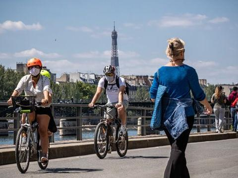 巴黎疫情升温 漫步塞纳河畔和游圣心堂均需戴口罩