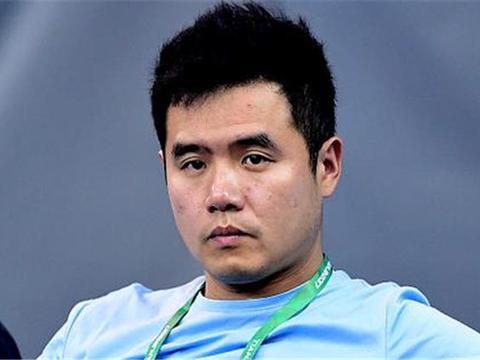 40岁的国乒教练,迎娶张怡宁队友,结婚十年全家就靠他挣钱