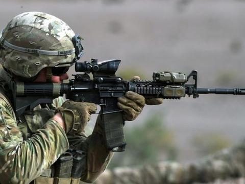 AR18:AR15被买走了,那我们开发个短活塞的AR吧