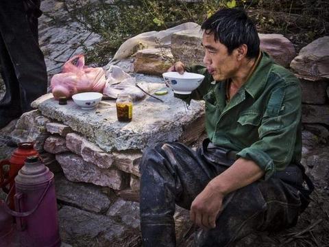 """农民尽量别去""""碰""""这4种生意,赚不到钱不说,还可能越干越穷"""