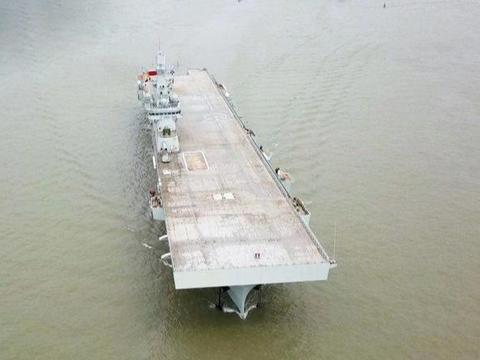 迫不及待!直10机降071船坞登陆舰,为上075做准备