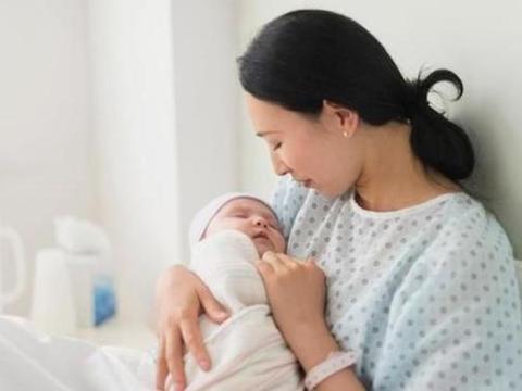 剖腹产和顺产的孕妈,坐月子期间大有不同,两个方面注意区分对待