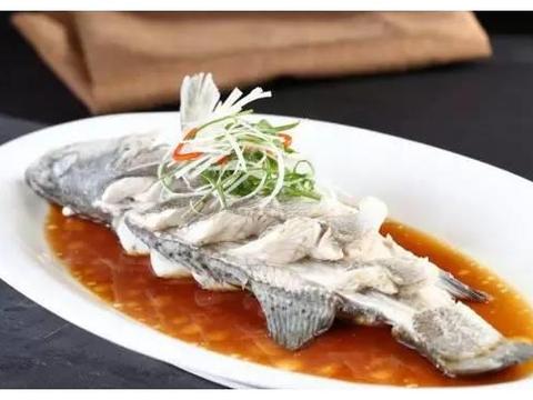 选美食:清蒸鲈鱼,豆角炒茄子,手撕包菜小炒肉,胡萝卜炒鸭血