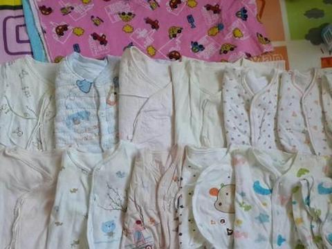 宝宝不能穿的衣服别扔,做成小被子、小坐垫利用率很高,教程来了