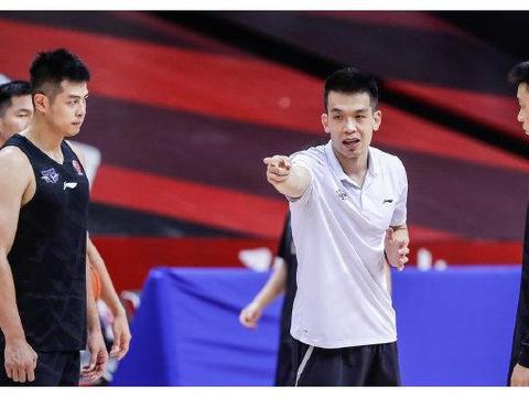 北京首钢生死战训练情况!尤度表示不担心易建联,朱彦西心态轻松