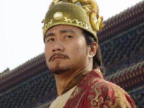 朱元璋欲下跪给龙椅磕头,刘伯温怒踢一脚,没想到踢出千古一帝