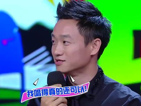 杨阳洋杨威不愧是父子,同款表情包简直一模一样,何炅爆笑不停