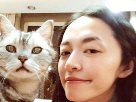 """今天是""""国际猫咪日""""!娱乐圈喜欢养猫的美女明星都有谁"""
