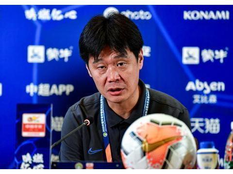 李霄鹏发布会透露三个信息,踢恒大会有变化,4名外援将获首发