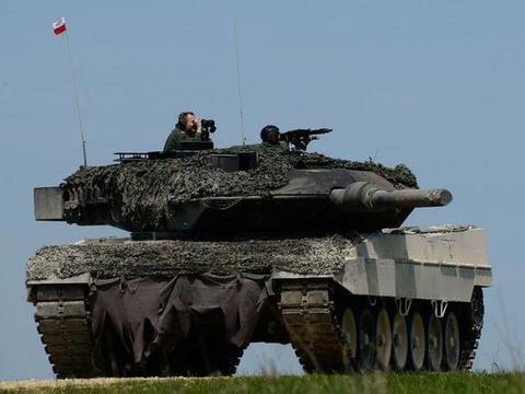 波兰掏20亿美元跪求美军进驻,犯罪豁免,治外法权,带核弹也行