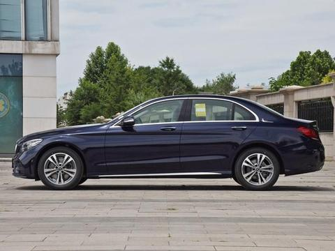 还买啥A4,3系,奔驰C级22.66万起,标配7气囊+主动安全系统