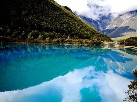 云南最小众的蓝月谷!被上帝遗落的蓝宝石,一个见证爱情的山谷