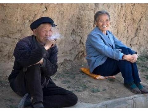 阳高白登山下昝娘城、靳娘城,有一段和汉高祖刘邦有关的传说
