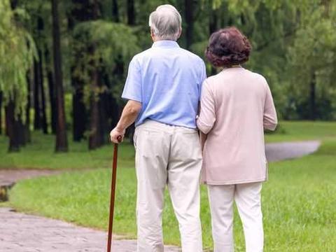 70岁以上的老人,想要健康长寿,每天需运动多久?