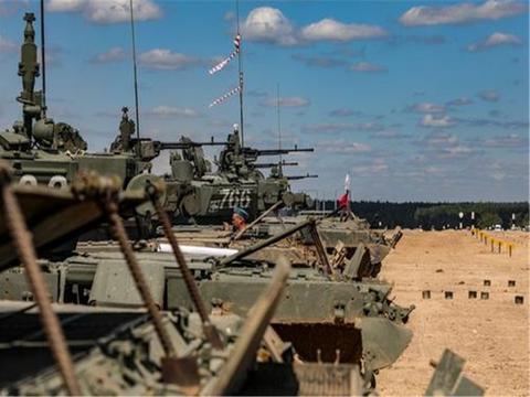 下一个乌克兰或将出现,俄军坦克奔赴边境,美国:敢动手试试?