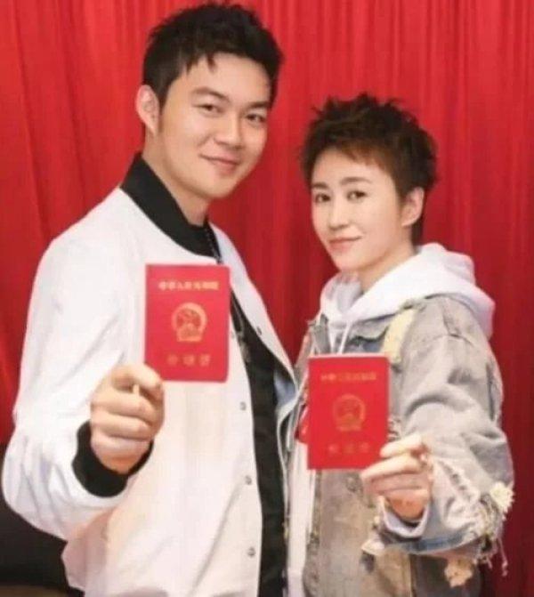 至今没办婚礼的四对夫妻,李荣浩马丽还有补办可能,最后分道扬镳