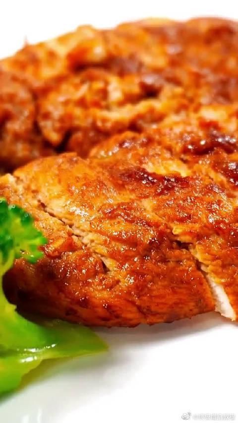 香煎鸡胸肉,鲜嫩多汁,营养全保留!减肥也要吃美味!