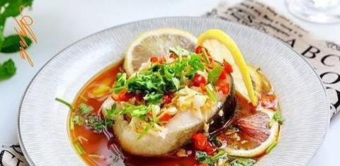 美食推荐:口味炒花蛤,柠檬蒸鱼,豆芽鲫鱼汤的做法