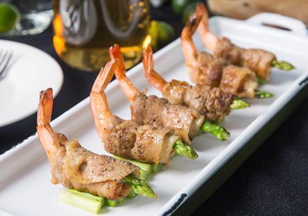 地三鲜,芦笋鲜虾猪肉卷,十三香小龙虾,辣白菜炒五花肉土