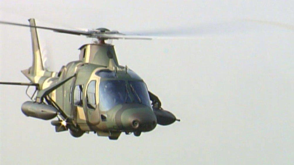 莱昂纳多公司研制的AW109M,是一款功能强大的轻型双发直升机……