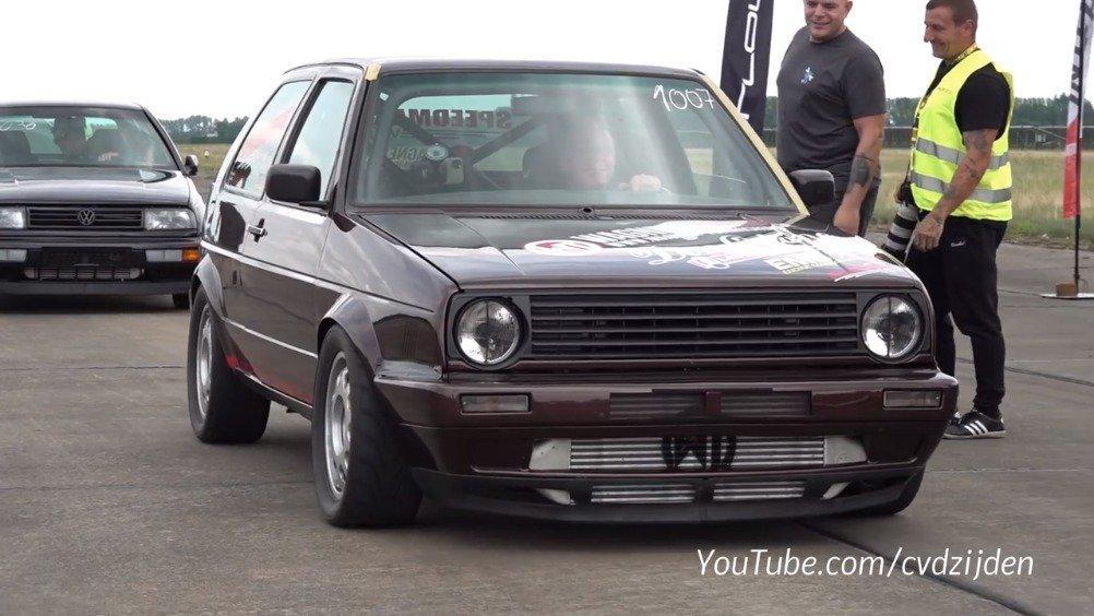 视频:1300马力的大众Golf Mk2改装版大秀直线加速……