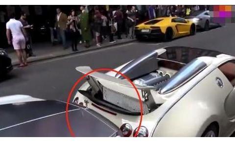 布加迪撞上劳斯莱斯,车主开另一辆车赶到现场,真是贫穷限制想象