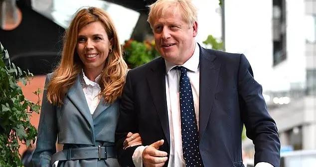 英国首相为刺激国内旅游业,计划携妻儿在苏格兰度假,倍显温情