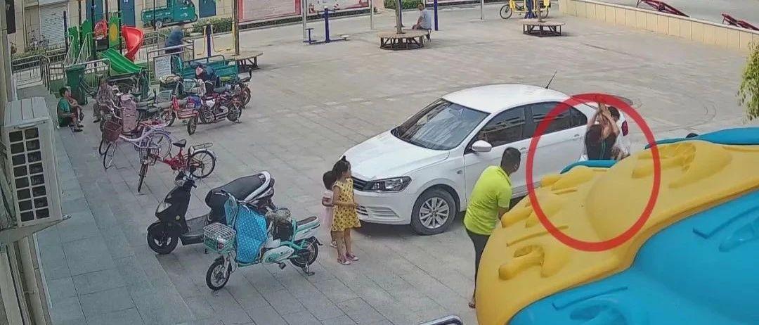 两岁女童吃糖卡在喉咙,多亏了黄金5分钟救援。这些急救知识,您了解吗?