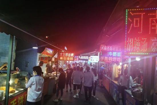 上海浦东华硕夜市:看起来不高级,却很好促进了夜间经济的发展