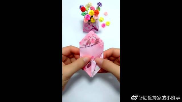 用卡纸做花瓶,你们学会了吗?