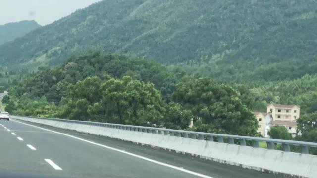 越往山里走,空气越清新!井冈山我来了!感受青山绿水,约不约!