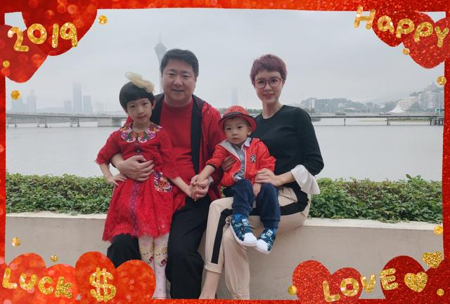 金巧巧为7岁女儿庆生,总裁老公未现身,小西瓜一头短发像假小子