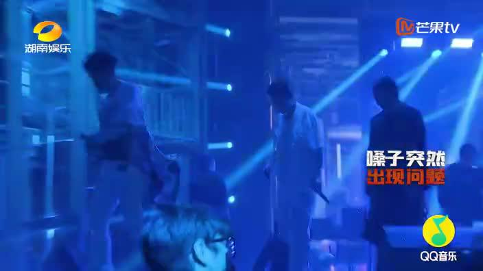 Lee A嗓音突发问题紧急去医院雾化 现场完美表演带来极致狂欢