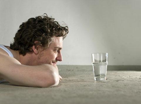 """湿气的""""天然克星""""找到了,饭后喝一喝,冲走湿气,大肚腩不见了"""